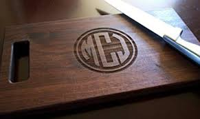 personalized engraved cutting board personalized engraved circle monogram cutting board