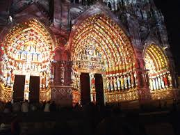 amiens iluminacion fachada catedral jpg