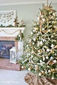 christmas tree decorating 30 brilliant coastal chic christmas tree decorating ideas