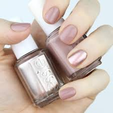 manimonday nail swatch essie nail lacquer in lady like with