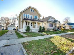 the morris milwaukee home builder 3871 e morris ave cudahy wi 53110 mls 1558432 zillow
