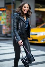 olivia culpo is seen in midtown moda de mujer que me encanta