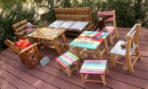 Patio Furniture Made Of Pallets by Kids Outdoor Furniture Made With Used Pallets Pallet Ideas