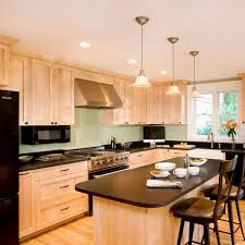 what paint colors look best with maple cabinets 7 kitchen backsplash ideas with maple cabinets that do it right