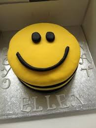 smiley face cake birthday cakes dads and cake