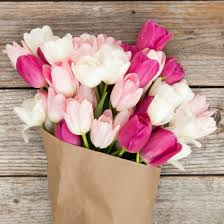 tulip bouquets luxe pink white tulip bouquet the bouqs co