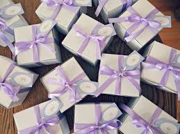 wedding guest favors 5 reasons to diy your wedding favors