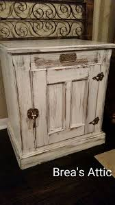 Distressed White Table Best 10 White Distressed Furniture Ideas On Pinterest Chalk