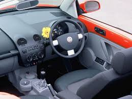 volkswagen new beetle interior volkswagen beetle cabriolet review 2003 2010 parkers