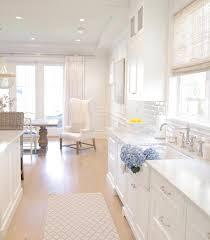 white kitchen hamptons style coastal style farmhouse sink