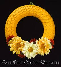 fall felt circle wreath guest post featuring crafts n coffee