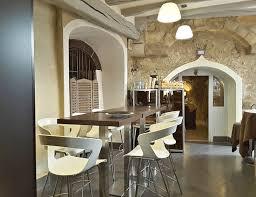 des vers dans la cuisine salle mange debout en de la cuisine vue vers salle privée