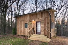 sustainabile living cozy tiny house vacation america coolest small