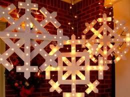 outdoor hanging snowflake lights outdoor christmas decorations and diy christmas lighting ideas diy