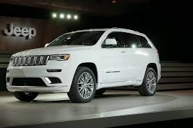 2017 jeep grand cherokee 2017 jeep grand cherokee adds trailhawk updates summit packages