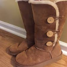 ugg boots sale bailey button triplet 41 ugg shoes ugg bailey button triplet from s closet