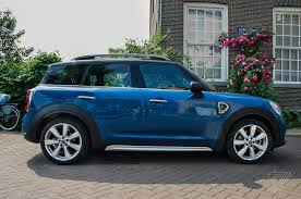 mini cooper modified screendrive mini cooper s countryman is the ultimate u002790s gadget