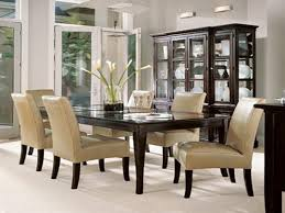 decorating dining room table