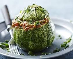 cuisiner la courgette ronde recette courgette ronde farcie à la chair à saucisse facile rapide