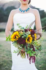 sunflower wedding ideas fall wedding bouquets with sunflowers