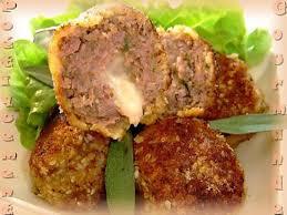 cuisiner des boulettes de boeuf recette de boulettes de viande au coeur de mozzarella