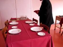 Mise En Place D Une Mise En Place à La Carte D Une Table Avi