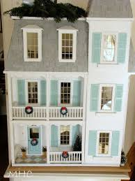 defending the small house 5 holiday edition