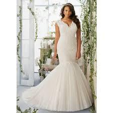 wedding dress for curvy wedding dresses for curvy brides wedding corners