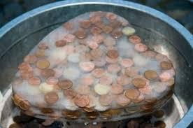 geld als hochzeitsgeschenk verpacken hochzeitsgeschenk taki geldgeschenk münzen in eisblock diy