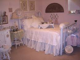 Shabby Chic Bed Skirts by 25 Best Shabby Chic Room Images On Pinterest Home Bedrooms