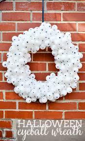 diy halloween eyeball wreath diy halloween wreaths and holidays