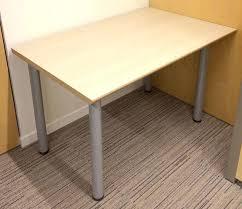 cache cable bureau cache bureau excellent lit cache sous podium chambre bureau armoire