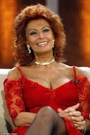 Sofia Vergara Bouncing Tits - sophia loren 80 finally explains that famous photo with jayne