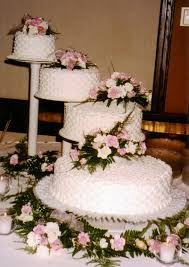 wedding cakes with fountains spiral wedding cakes s bakery