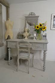 Colonial Style Dining Room Furniture This Antique Colonial Style Dressing Table Is Simply Stunning We