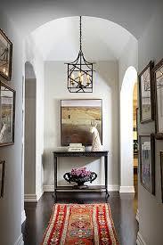 tudor interior design designer betsy burnham updates a 1930s tudor hooked on houses