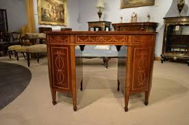 Kidney Shaped Writing Desk Fine Quality Mahogany Inlaid Late Victorian Period Kidney Shaped