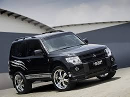 pajero mitsubishi view of mitsubishi pajero 3 0 at photos video features and