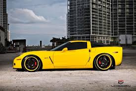 black and yellow corvette vossen forged vf061