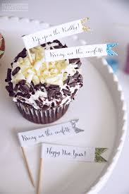 Cupcake New Years Decoration Ideas by Diy Sparkle Food Picks For New Year U0027s Eve