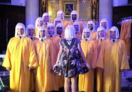 Sia Singing Chandelier Live Sia Performs Chandelier With Nyc S Chorus At Logo