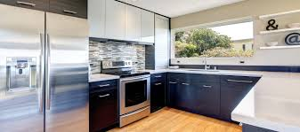 Pictures Of Kitchens With White Cabinets And Black Appliances by What U0027s Hot And What U0027s Not In 2017 Kitchen Trends
