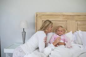 temperature chambre a coucher enfantez vérifier la température en difficulté de fille avec le