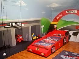 decoration chambre garcon cars deco chambre garcon voiture maison design bahbe com