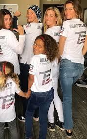Patriots Halloween Costume Gisele Bündchen Rocks Casual Jeans U0026 Patriots Jersey Super Bowl