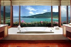 une chambre en plus 30 salles de bains d hôtels aux vues à couper le souffle yonder