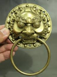 foo dog door knocker free shipping 9 cm folk brass fengshui foo fu dog guardion