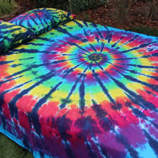 shop tie dye bedding on wanelo