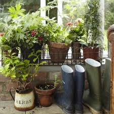 Outdoor Yard Decor Ideas Vintage Furniture And Garden Decor 12 Charming Backyard Ideas