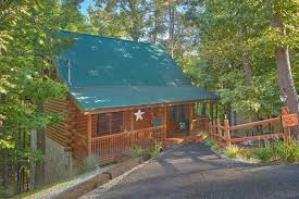1 bedroom cabin rentals in gatlinburg tn our happy place cabin near teaster ln pigeon forge